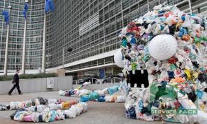 Европарламент одобрил запрет пластиковых упаковок